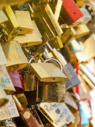 Word City PARIS LOVE LOCKS